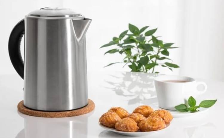 Как быстро очистить чайник от накипи: ТОП-3 проверенных способа