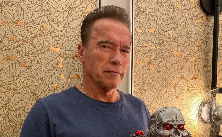 72-летний Арнольд Шварценеггер решил позабавить поклонников смешным видео: сел на шпагат?
