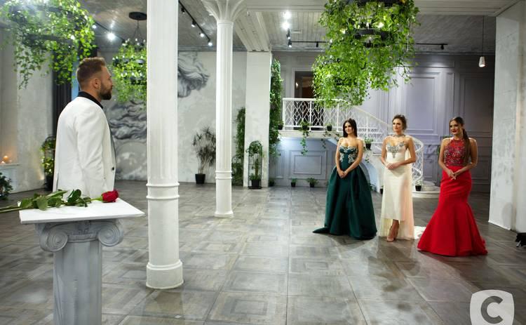Холостяк-10: подробности 11 выпуска – мнение родителей Макса о девушках и последняя Церемония роз
