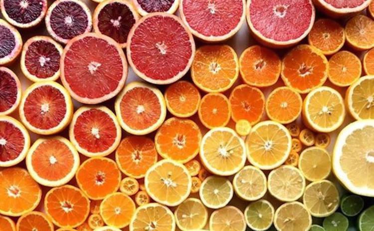 Осторожно, калорийно: ТОП-5 калорийных фруктов и ягод, которые вы так любите