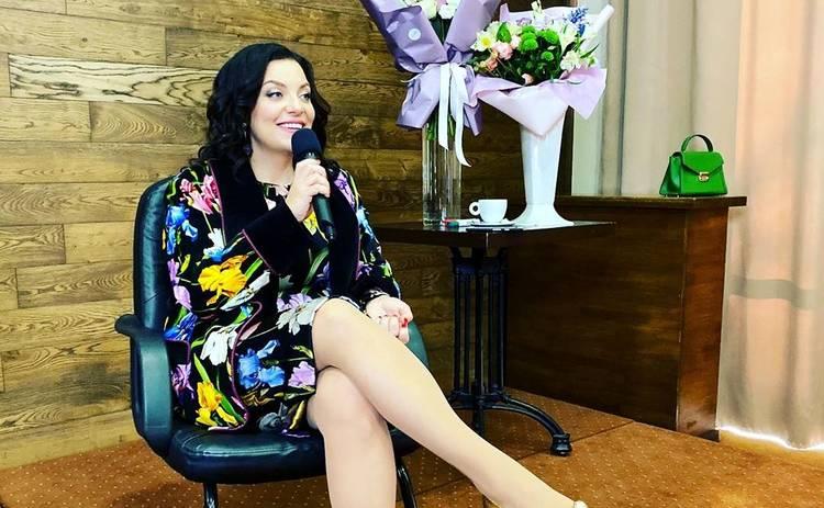 Наталья Холоденко рассказала как выбирает и за сколько покупает наряды: У меня очень большая грудь