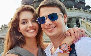 Вот это формы: Жена Дмитрия Комарова восхитила снимком в мини