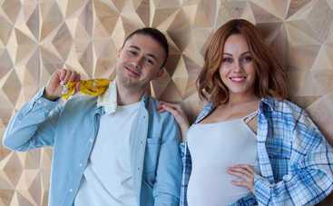 Певица Alyosha и Тарас Тополя рассекретили пол третьего ребенка
