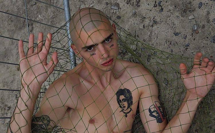 Участник реалити Топ-модель по-украински Реван Палюх набил себе 20 новых тату