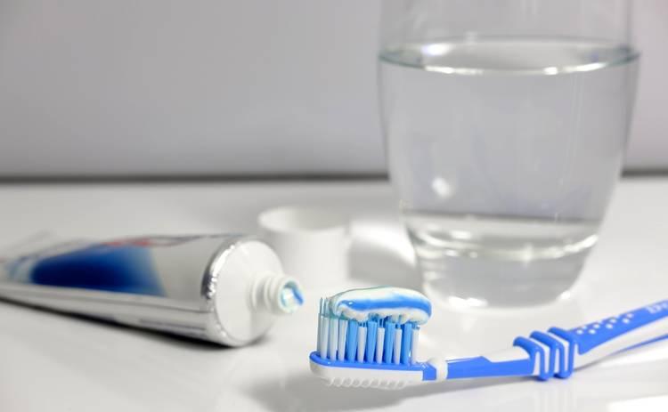 Как выбрать действенную и безопасную зубную пасту: полезные советы