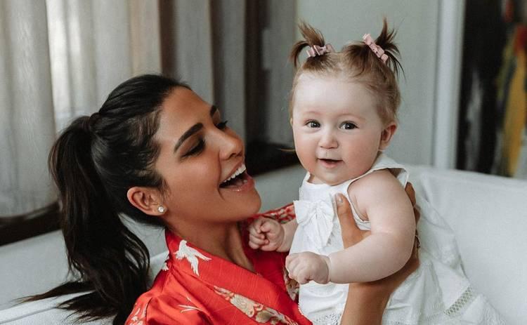 Санта Димопулос похвасталась успехами 8-месячной дочери Софии