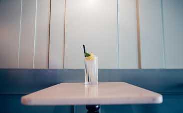 Какие напитки противопоказано пить летом: ТОП-5 табу