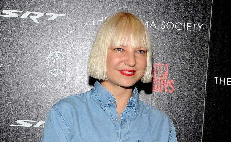 44-летняя певица Sia впервые стала бабушкой