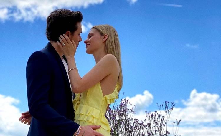 Невеста Бруклина Бекхэм показала кольцо за 200 тысяч долларов, подаренное любимым
