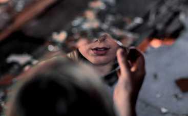 Стоит ли бояться разбитого зеркала: правда и мифы о болезнях и неудачах