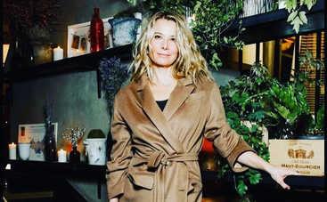 46-летняя Юлия Высоцкая произвела фурор своей фигурой в крошечном бикини