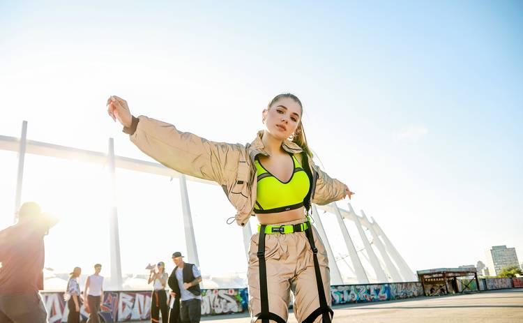 Популярная певица и блогер смутила своих поклонников: #несамотняя