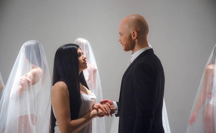 Vlad Darwin показал свою жену в невероятно чувственном видео Зірка