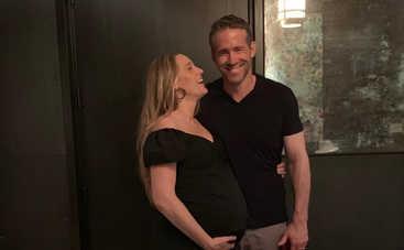 Кажется, я беременна: Блейк Лайвли ошарашила супруга неожиданной новостью в соцсети