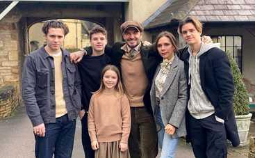 Виктория и Дэвид Бекхэм пригласили принца Гарри и Меган Маркл на свадьбу сына