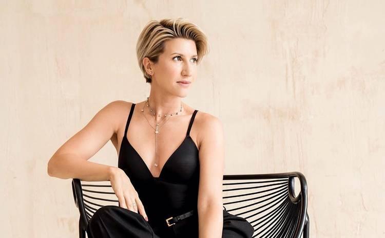 Анита Луценко поделилась кадром, где она в обнимку с экс-