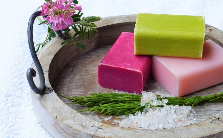Как сделать мыло для чувствительной кожи своими руками: пошаговая инструкция