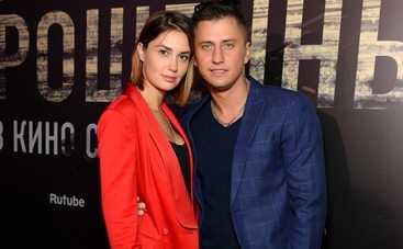 Бывшая жена Павла Прилучного рассказала, что актер все еще признается ей в любви