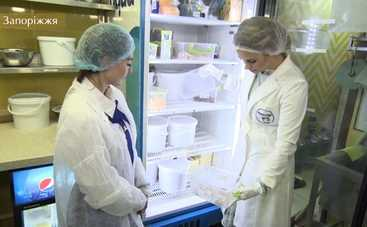 Ревизор-11: Юлия Панкова нашла испорченное вонючее мясо на кухне детского заведения