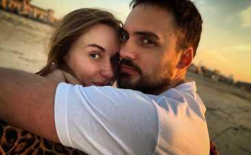 Все чаще появляются вместе: Слава Каминская воссоединилась с бывшим мужем на отдыхе в Одессе