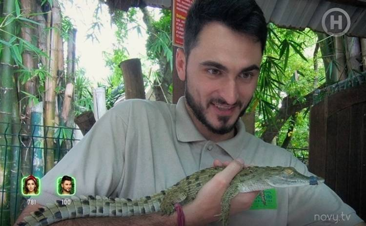 Ведущий Нового канала Макс Узол освоил новую опасную профессию: Каково это – кормить крокодилов?