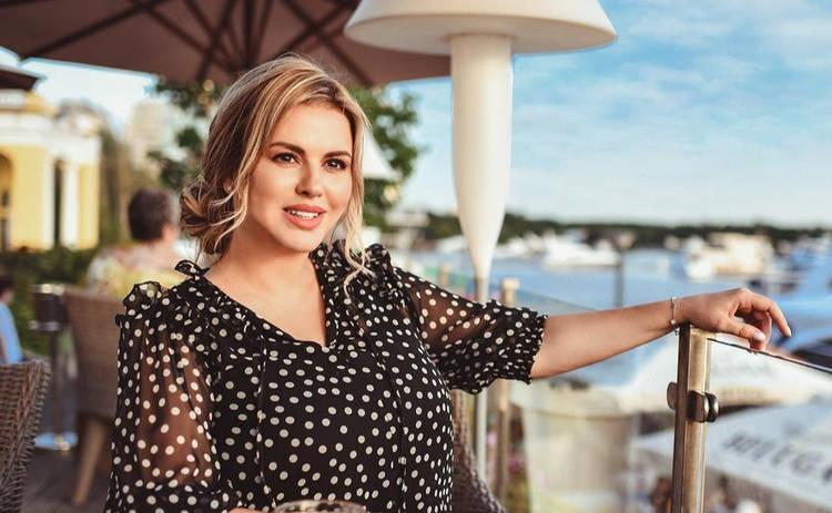 Анна Семенович взбудоражила Сеть сменой имиджа и нарвалась на критику