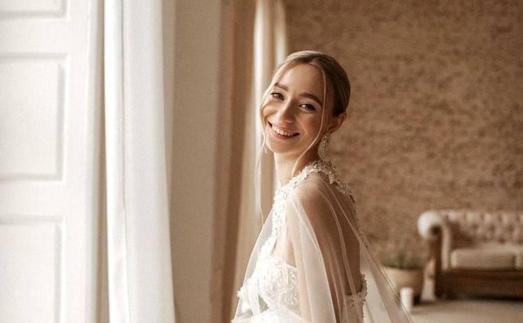 Молодая жена Виктора Павлика прокомментировала отмену свадьбы во второй раз