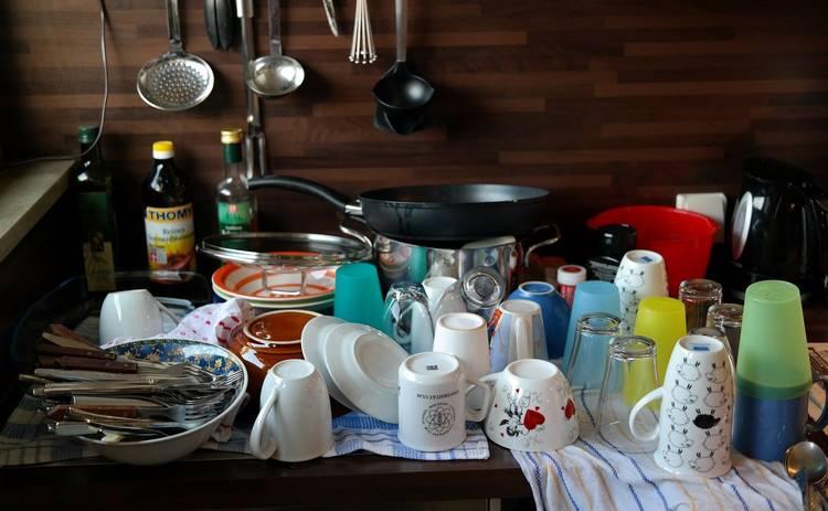 Как выбрать моющее средство для посуды, без вреда для здоровья: важные советы врача-дерматолога