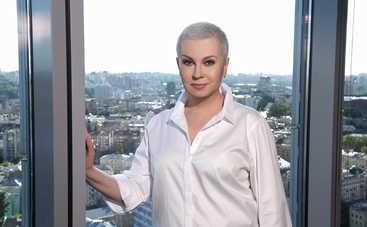 Сильная женщина: Алла Мазур впервые вышла в прямой эфир без парика