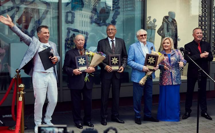 В Киеве на Аллее Звезд увековечены имена еще трех людей: Гордимся, что живем с ними в одно время!