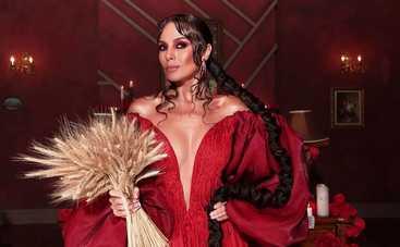 Настя Каменских призналась, что ее новый альбом раскритиковали в Америке