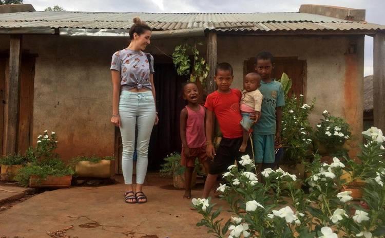 Ведущая Нового канала рассказала, как живут мадагаскарцы: Хибары без света и воды, много бездомных