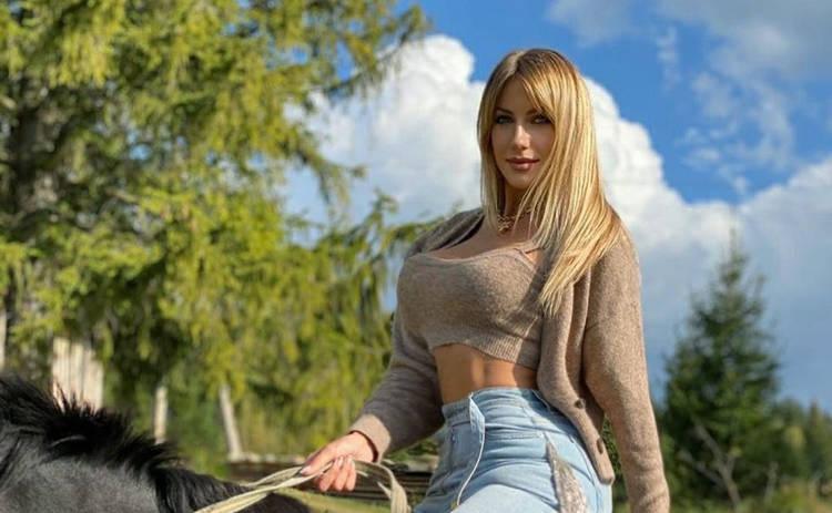 Леся Никитюк похвасталась упругими ягодицами и сравнила себя с Шэрон Стоун