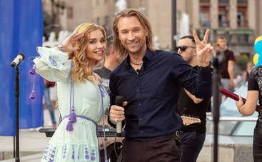 Плакала от боли: Бэк-вокалистка Олега Винника Таюне рассказала о своем заболевании