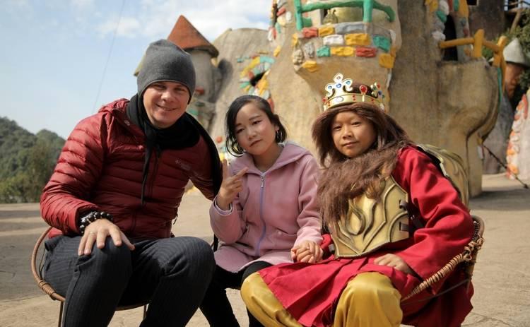 Мир наизнанку-11: Дмитрий Комаров покажет необычный парк развлечений с миниатюрным миром в Китае