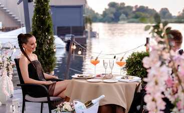 """Холостячка: кто первым разденет Ксению и на свидании создаст атмосферу фильма """"50 оттенков серого"""""""