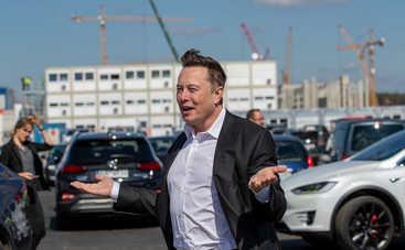 Илон Маск признался, на что тратит свою зарплату в Tesla