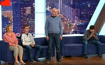 Стосується кожного: в ток-шоу – признание школьника, напавшего с ножом на родных