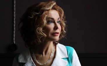 Случился выкидыш: Ольга Сумская призналась, что из-за плотного гастрольного графика потеряла ребенка