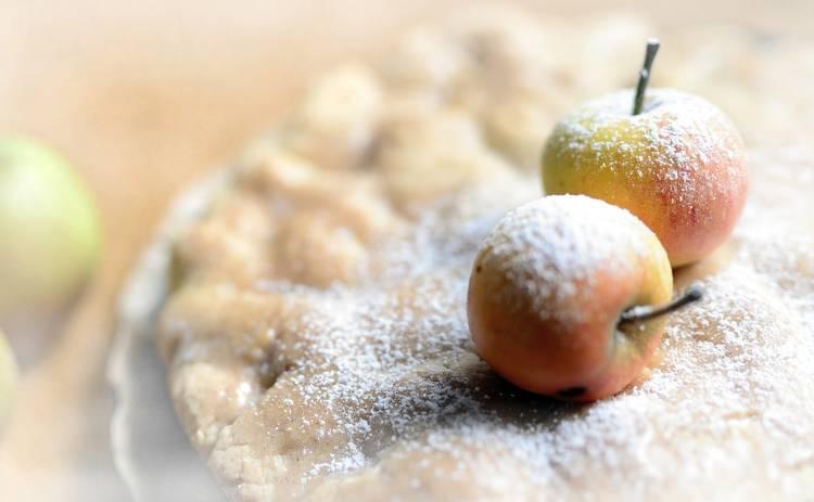 Рецепт печеных яблок с медом и корицей