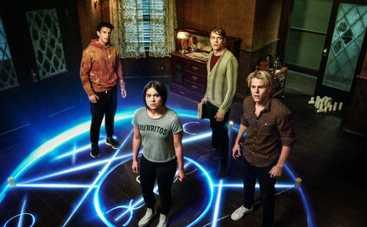 Netflix закрыл Тайный орден после второго сезона