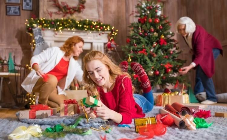 Что подарить на Новый год 2021 подруге, сестре, маме, дочке?