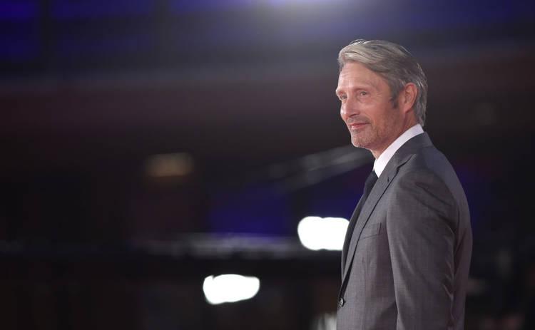 В Warner назвали актера, который заменит Деппа в Фантастических тварях-3