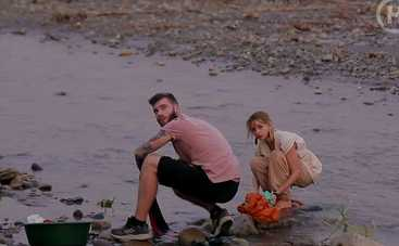 Кохання на виживання-4: участники реалити в Перу стирали одежду в реке, готовили рагу с говяжьим желудком