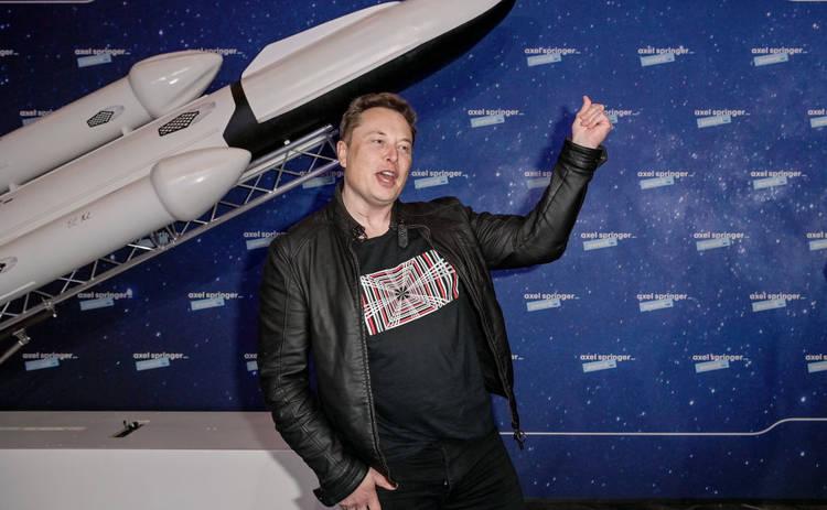 Очень уверен: Маск рассказал, когда SpaceX высадит людей на Марс