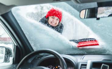 Лайфхак для водителя: как разморозить лобовое стекло автомобиля за пару минут?