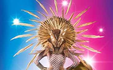 МАСКА: для роскошного костюма Солнца использовали более 1000 жемчужин