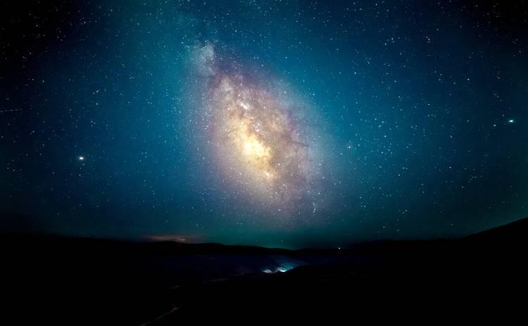 Самый мощный звездопад 2020: дата, где смотреть метеорный поток Геминиды