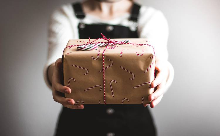 Что подарить коллеге на Новый год: бюджетные и оригинальные идеи