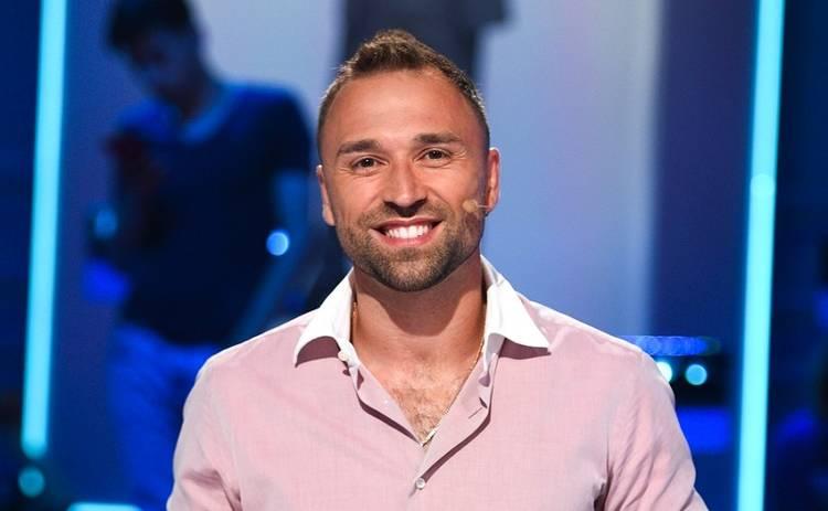 Экс-Холостяк Макс Михайлюк на Кубе ходил без одежды за едой для девушек в отель
